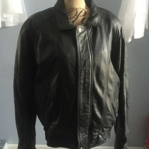 Wilsons genuine leather men's coat size XL